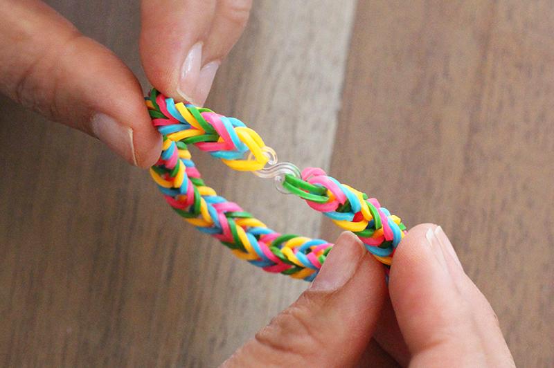 DIY Finger Fishtail Loom Bracelet – Honestly WTF