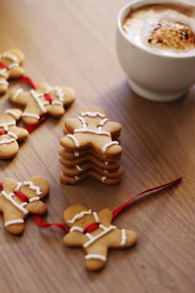 Gingerbread-garland-1