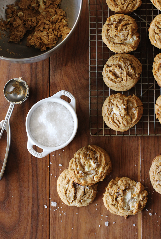 Salted-White-Chocolate-Oatmeal-Cookies-HonestlyYUM1