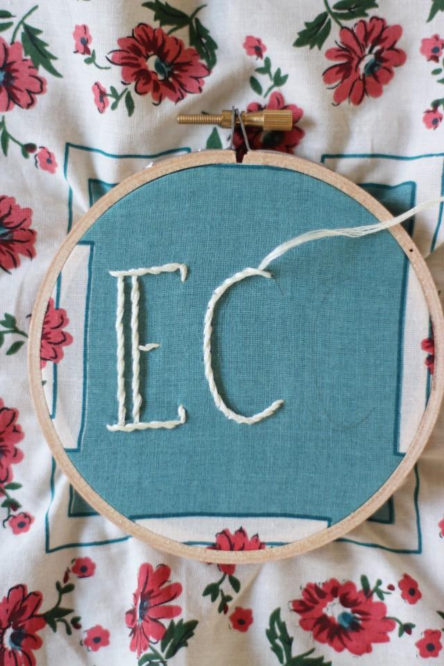 embroideredhankie12