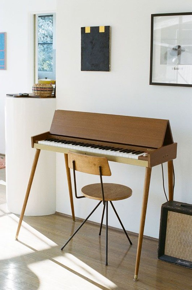 Pianos in the home honestly wtf for Where to put a piano in a small house