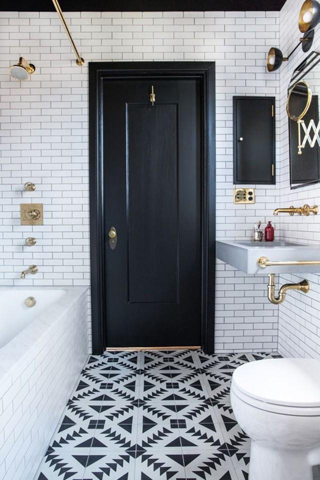 brassbathroom5