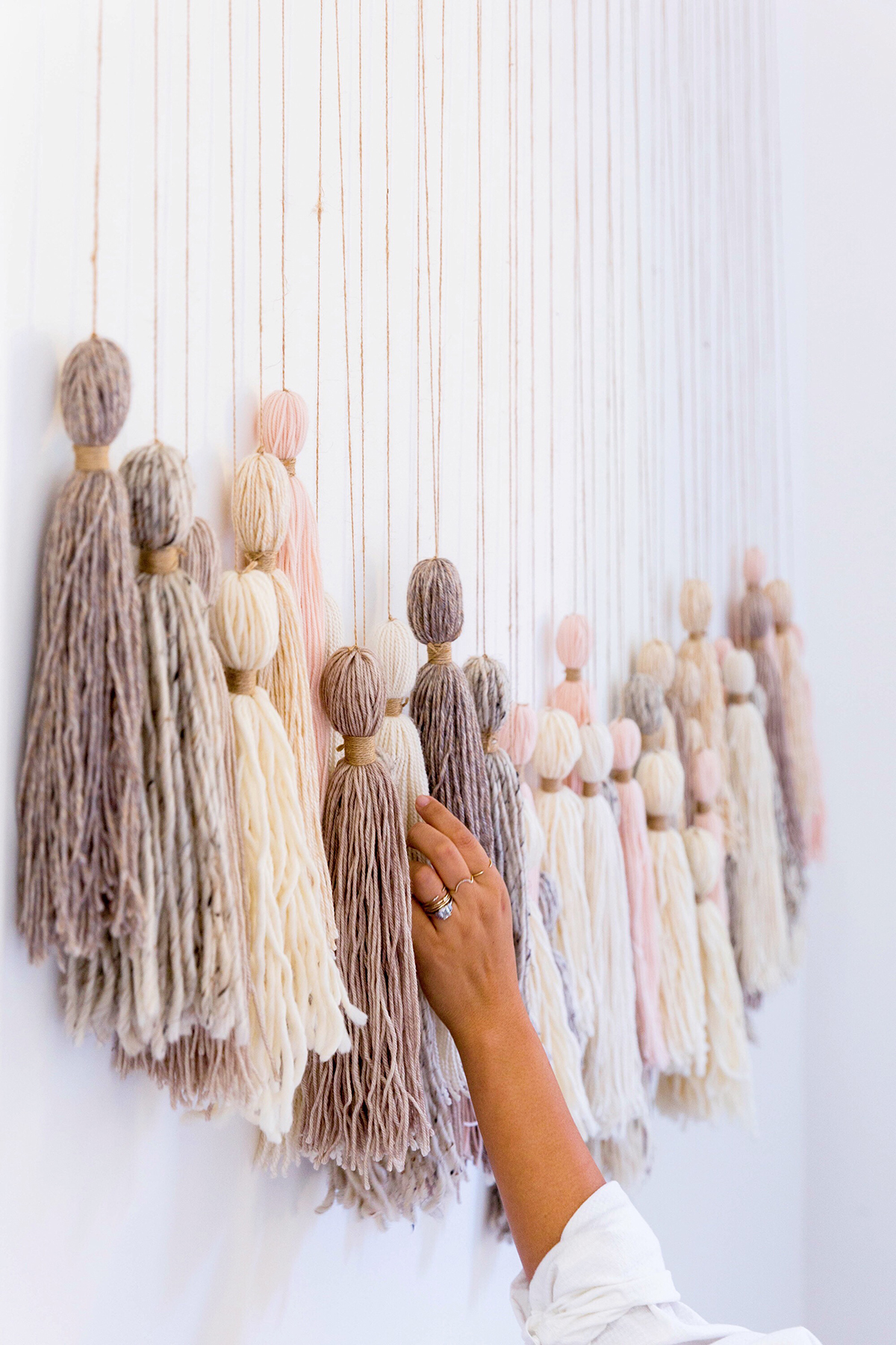 Diy tassel wall hanging honestly wtf for Making wall decorations