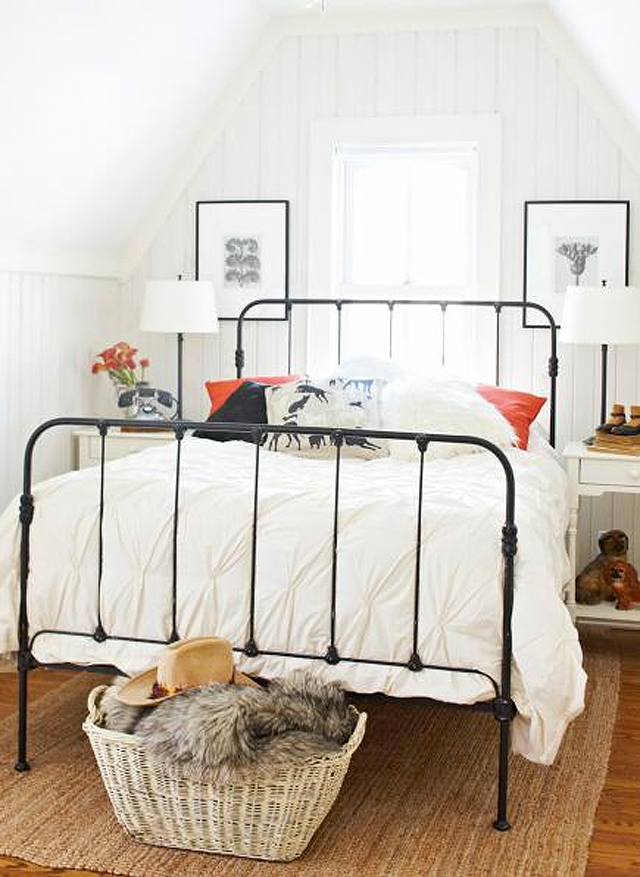 Iron beds honestly wtf - Bed frames for small rooms ...