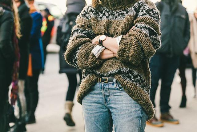 tuckedsweater2