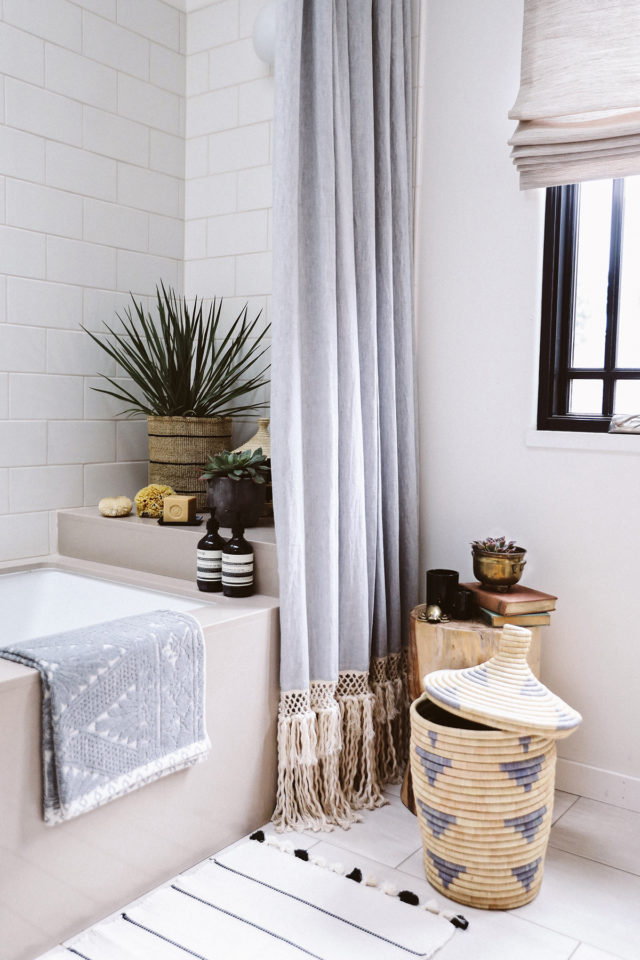 Diy extra long shower curtain for Taller decoracion de interiores