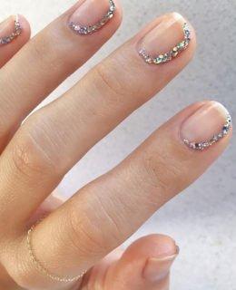 Currently Crushing On: Minimalist Nail Art