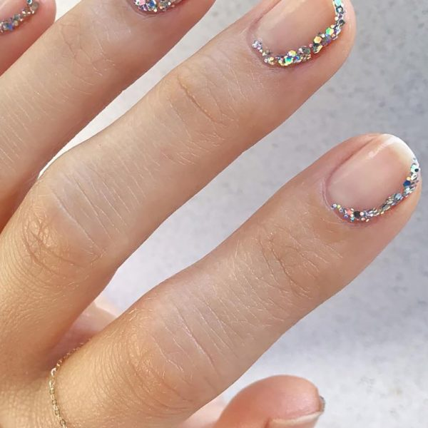 Currently Crushing On: Minimalist Nail Art