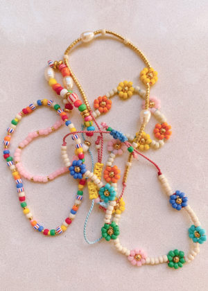 DIY Beaded Daisy Chain Bracelet